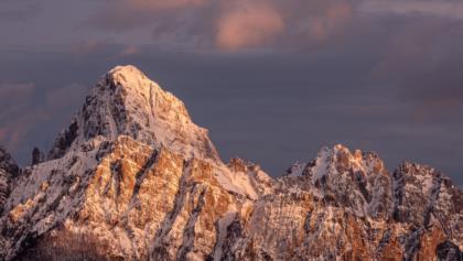 Il-Monte-Sernio-alle-luci-della-sera pano